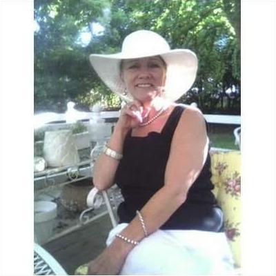 CLICK to visit Victoria Maxey-Hodgson's Realtor® Web Site