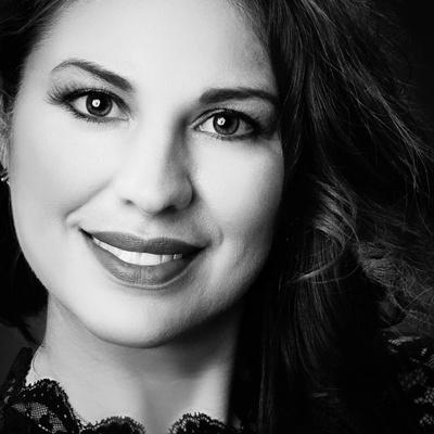 CLICK to visit Michelle Acevedo's Realtor® Web Site