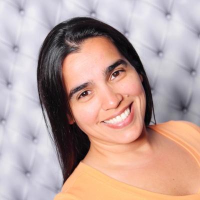 CLICK to visit Jannett Flores's Realtor® Web Site