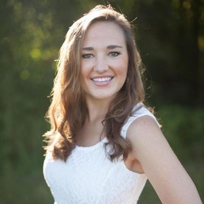 CLICK to visit Hannah Riemer's Realtor® Web Site