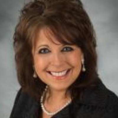 CLICK to visit Deanna Kirksey's Realtor® Web Site
