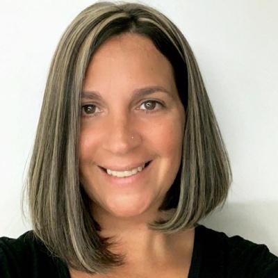 CLICK to visit Nicole Weedon's Realtor® Web Site