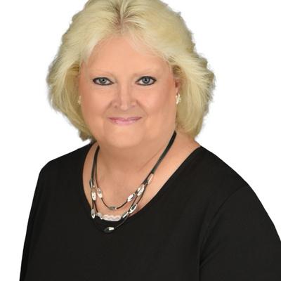 CLICK to visit Sandra McDaniel's Realtor® Web Site