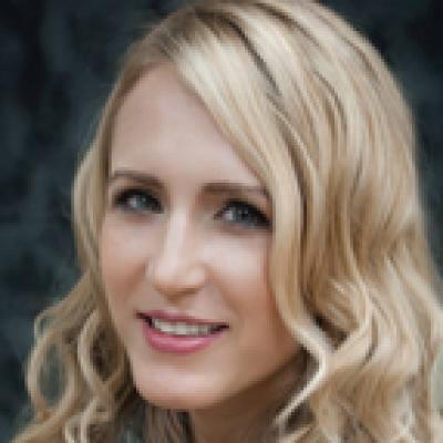 CLICK to visit Amanda Bishop's Realtor® Web Site