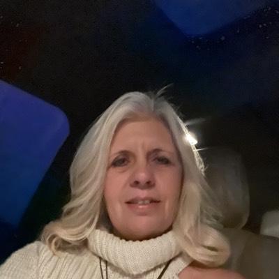 CLICK to visit Rhonda Evans's Realtor® Web Site